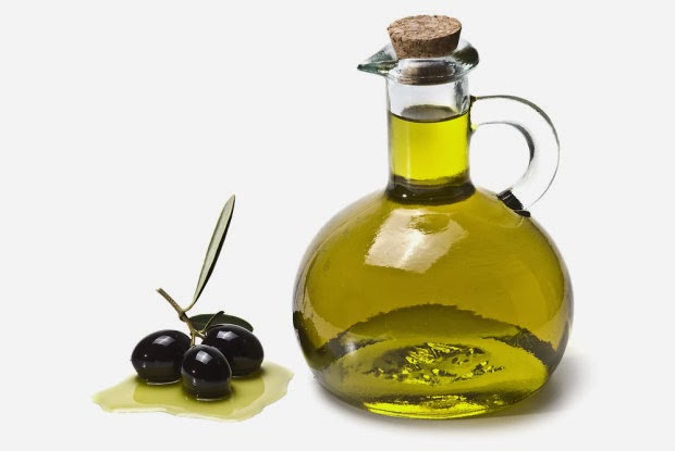 Figure 1: Oleic acid, found in olive oil, plays a role in cancer prevention.