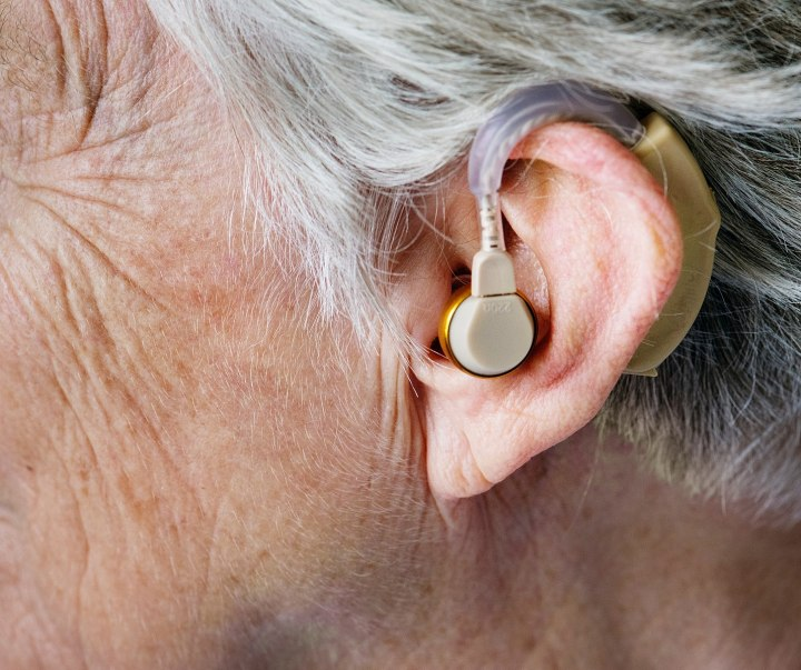 1430px-In-the-ear_hearing_aid